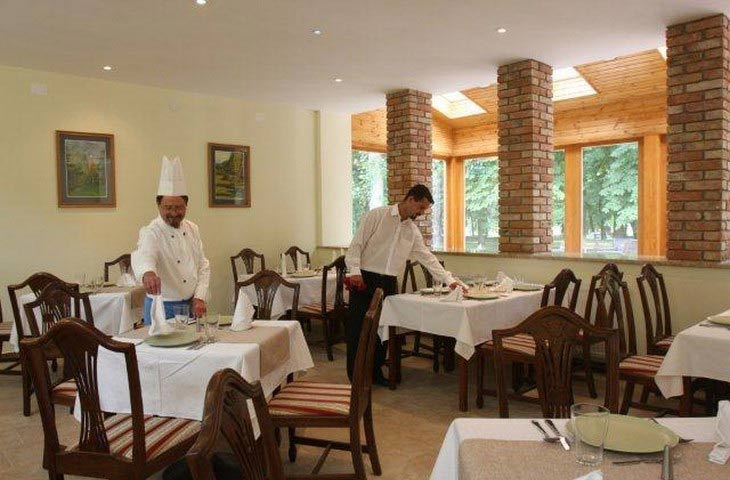 Restaurant at Fonix Medical Resort